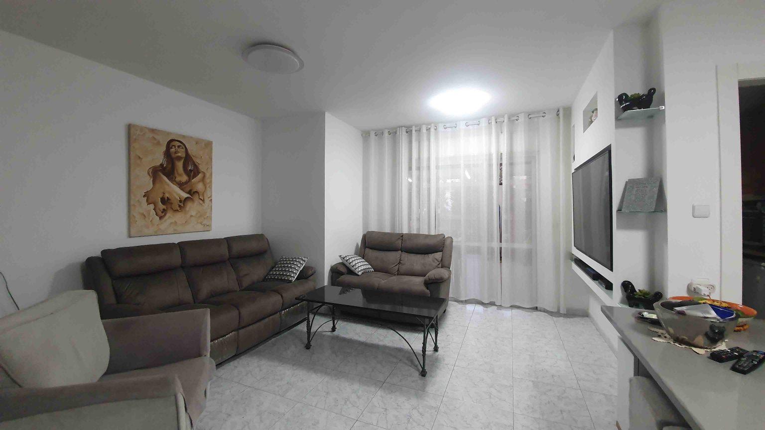עומר 5 חדרים - סלון